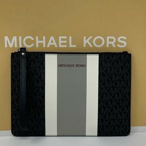 Michael kors jet set XL central stripe wristlet